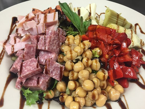 West Hazleton, PA: Antipasto Salad