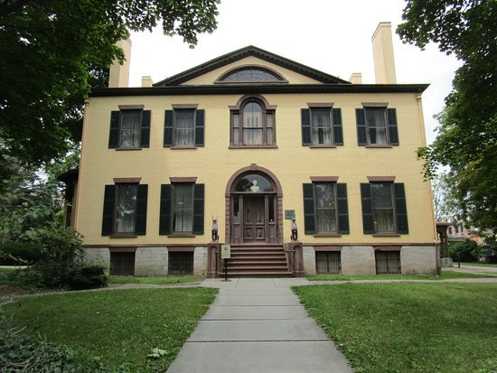 Seward House Museum: Front on the house