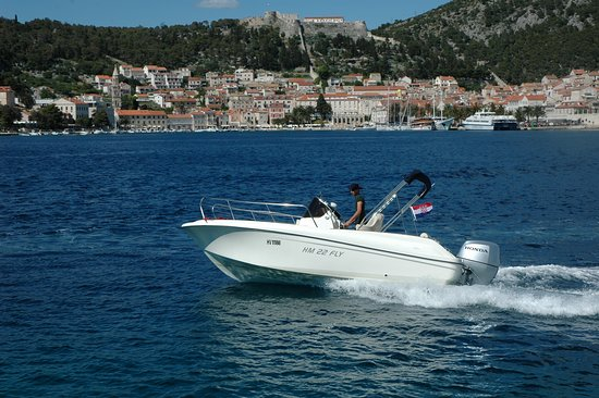 Flash Hvar Boat Tours