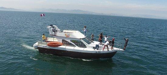 Callao, Perù: Navegando en el Yate El Rey