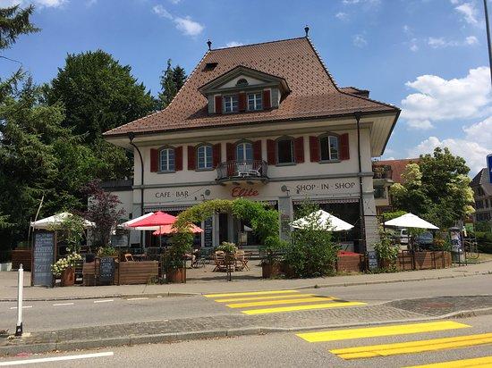 Langnau im Emmental, Switzerland: Bar gegenüber