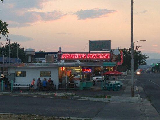 Sherald's Burger Bar: 20180813_201845_large.jpg