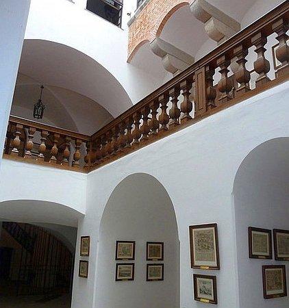 Cesky Sternberk, Чехия: Vnitřní atrium hradu