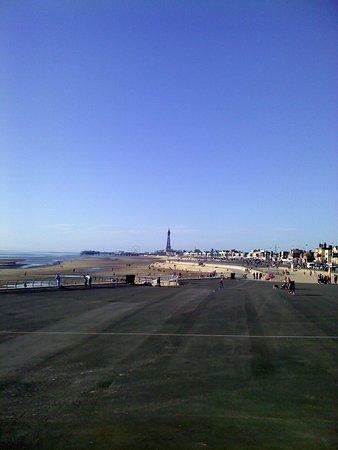Blackpool Pleasure Beach: Outside pleasure beach, Blackpool