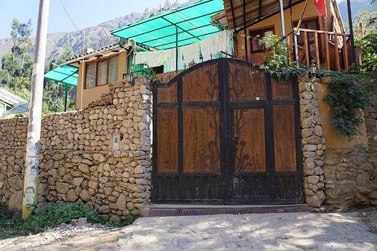 Ollantaytambo, Peru: the gate by the second trailhead