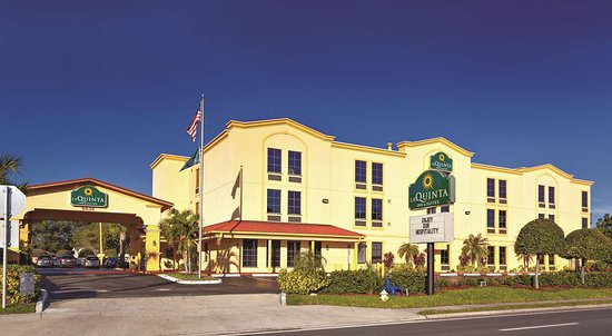 La Quinta Inn & Suites St. Petersburg Northeast Hotel