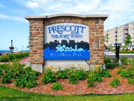 Prescott, Canada: getlstd_property_photo