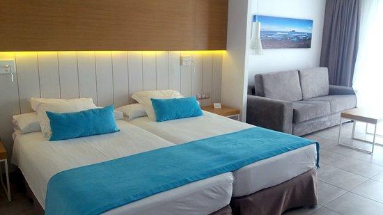 Super hotel w idealnej lokalizacji. Zasługuje na 4 gwiazdki.
