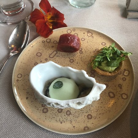 La Grand'Vigne: Starter selection - oyster, smoked meat and small tart