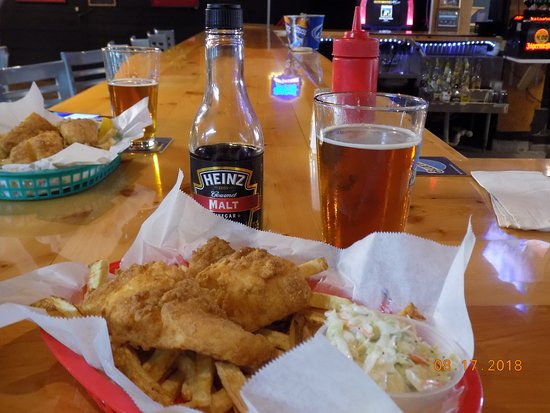 Acton, ME: Bar Service Lunch