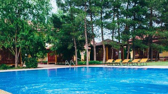 Tashkent Province, Uzbekistan: Наш по-домашнему уютный отель с современными номерами, в отдалении от городской суеты и загородн