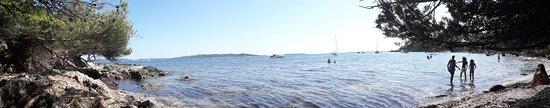 Presqu'île de Giens: Vue panoramique de la mer depuis une petite crique