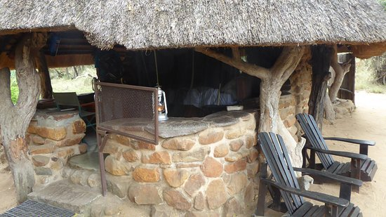 Mkhaya Game Reserve, Eswatini (Swaziland): Individual stone house: double bed, flushing toilet, hot shower.