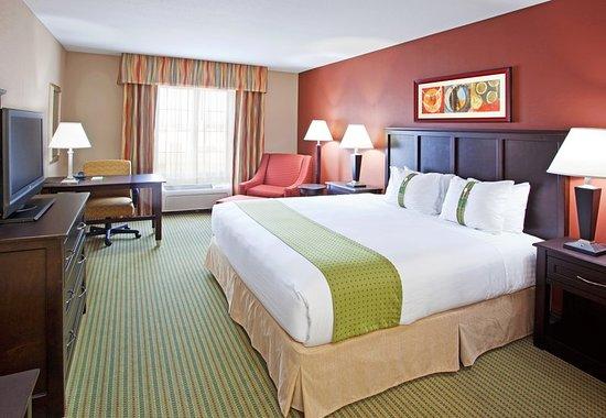 Holiday Inn Midland: Guest room