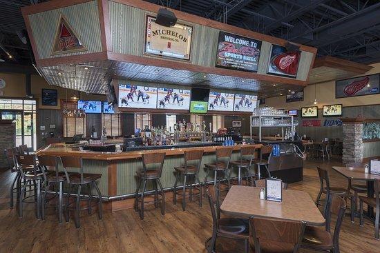 Holiday Inn Midland: Bar/Lounge