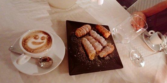 Bodio Lomnago, Italia: Caffè con cannoncini