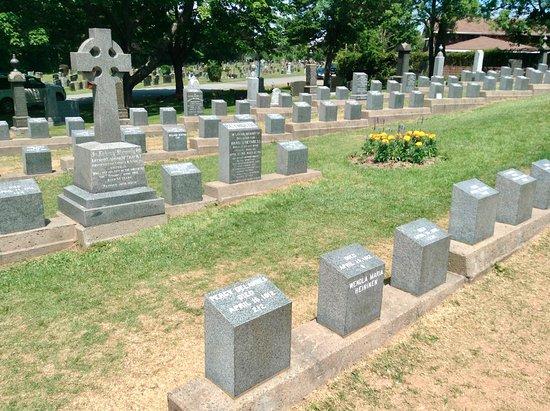 Fairview Lawn Cemetery: Titanic Cemetery - Halifax, Nova Scotia
