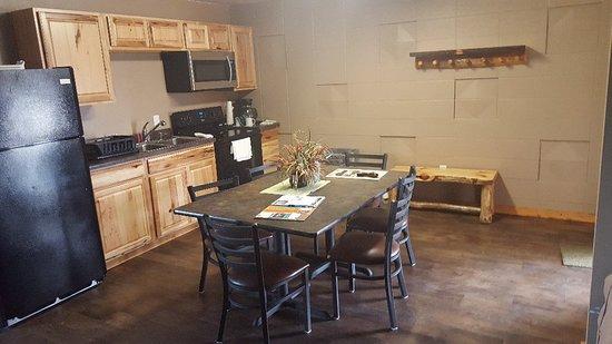 Webster, Güney Dakota: Large Motel Kitchen Suite