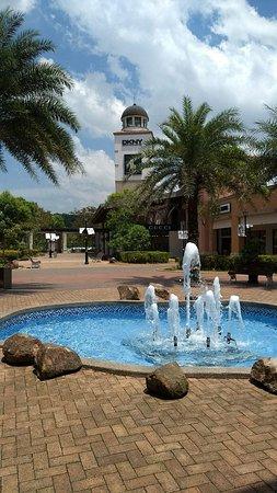 Johor Premium Outlet: 新山名牌折扣暢貨中心