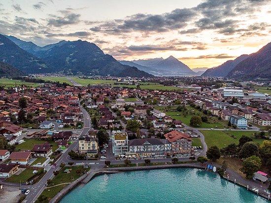 Boenigen, Schweiz: View looking into Interlaken