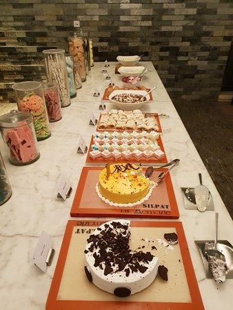 MoMo Cafe: 20180818_200825_large.jpg
