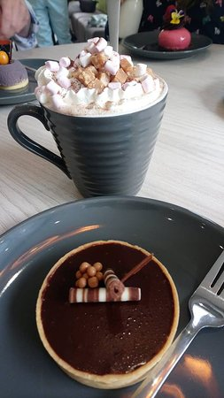 Cocoa Black Chocolate Shop & Cafe: Their hot chocolates are unmissable