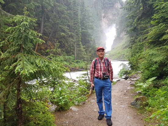 Rogers Pass, Kanada: מפל בר קריק