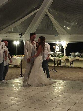 Negligent GM & Wedding Coordinator !!