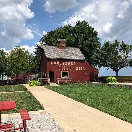 Louisburg, Канзас: photo1.jpg