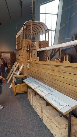 Hartford, Илинойс: Lewis & Clark Boat