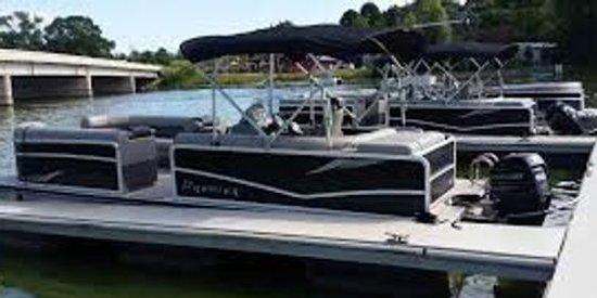 Edgerton, Висконсин: Pontoon Rental on The Rock River Lake Koshkonong
