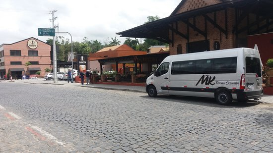 Penha, SC: MK Turismo Executivo  QUALIDADE  CONFORTO  SEGURANÇA