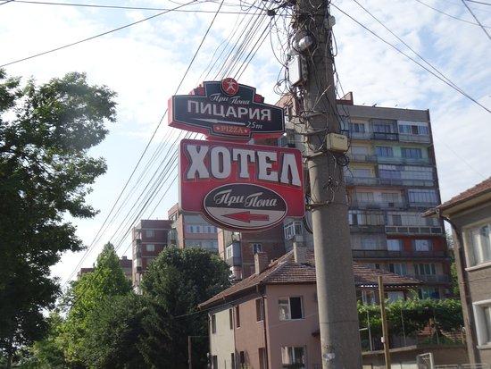 Svishtov, Bulgarije: Pri Popa in cyrillic.