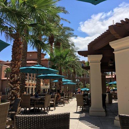 Quiet Oasis resort in loud Las Vegas
