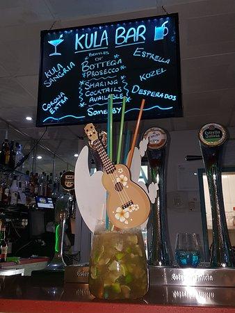 The Kula Bar: sharing cocktails