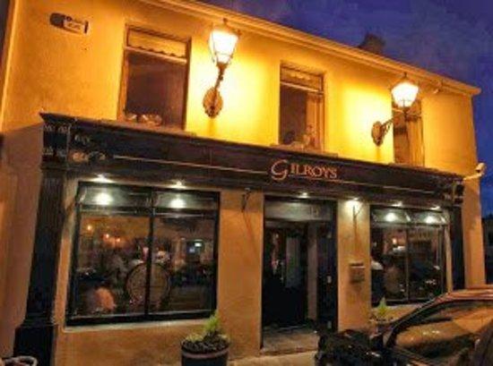 Inishcrone, Ireland: Gilroy's Bar & Ait Eile Restaurant