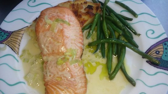 Anthony's HomePort Gig Harbor: Wild Salmon with Potatoes au Gratin