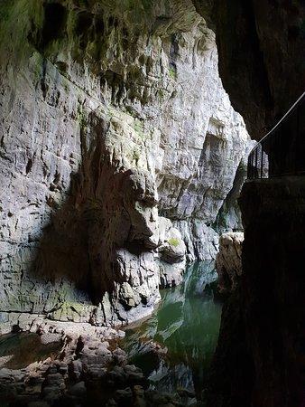 Skocjan, Slovenia: A víz mindenhol ott van