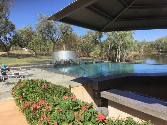 Cobbold Village: Pool from the restaurant