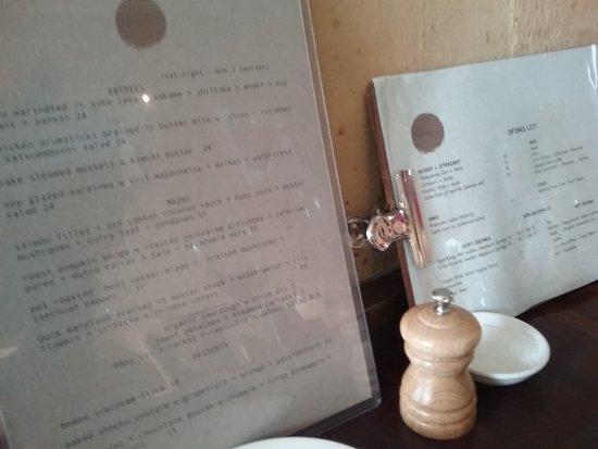 Blackheath, Australien: Menu and wine list.