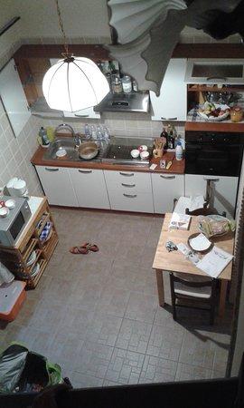 Country House Villa Sabrina: cucina