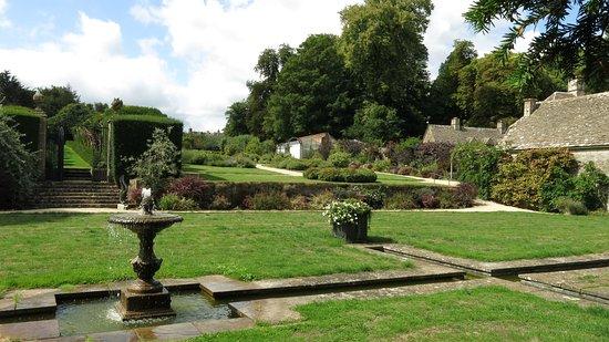 Miserden, UK: Well planned gardens.