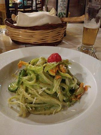 Bellona, Italia: 20180815_214228_large.jpg