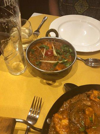 Powick, UK: Gurkhali Special (looks nothing like menu photo)