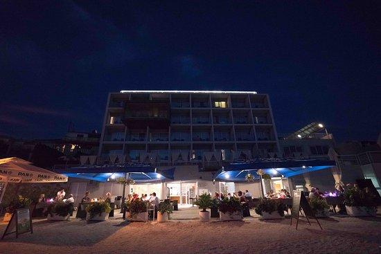 Podstrana, Croatia: Beach restaurant on the beach and Sunset terrace on the rooftop