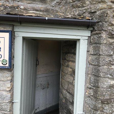 Tucker's Grave Inn: photo0.jpg
