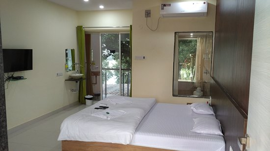 Tapola, Индия: My Room