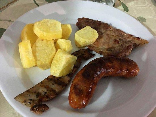 Torretta, Italy: secondo - grigliata mista con patate buonissime
