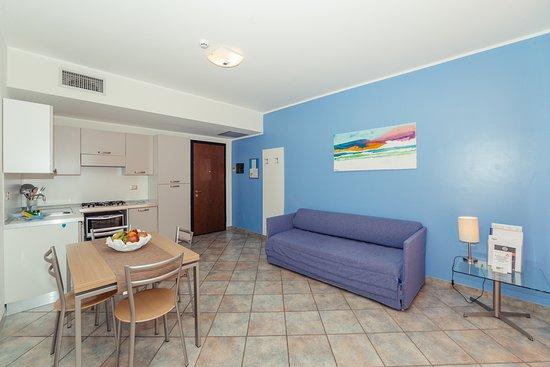 Cucina e zona pranzo Bilocale B1 - Picture of Residence ...