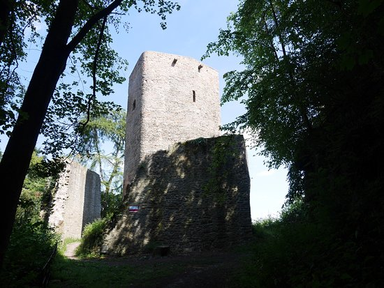 Burg Alt-Wolfstein